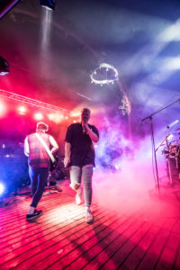 Tolle Lightshow und Effekte: Written in Kings. Rock am Stein 2018