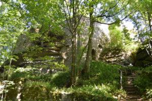 Reste der hochmittelalterlichen Ostburg auf dem Waldstein