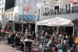 Stadt Hof; Hof/Saale; Oberfranken; Fussgaengerzone; Kino; Central Kino