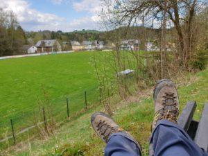 Wieder am Ausgangspunkt der Wanderung: Sportplatz des Geroldsgrüner Ortsteils Silberstein. Hier beginnen etliche Touren.