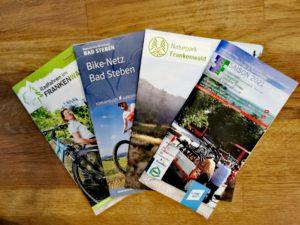 Für die Vorbereitung einer Fahrradtour mit dem Radbus im Frankenwald steht einiges Infomaterial zur Verfügung.
