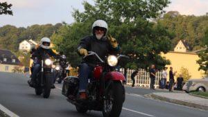 Biker 11. Steve bei der Ausfahrt der Custom Stage in Hirschberg 2019