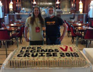 """Bei ihrer gemeinsamen USA Reise kreuzten die Schneidos 5 Tage mit der """"Rock Legend Cruise"""" übers Meer."""