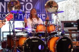 """Mimi 2018 als Drummer mit der Band """"Blue Indigo"""" auf der Burg in Thierstein im Fichtelgebirge."""
