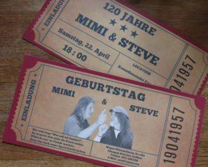 Die Eintritts-Tickets zum 120. Geburtstag der Zwillinge. An den runden Geburtstagen lassen die es immer richtig krachen.