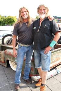 Biker Brüder: Mimi (links) und Steve (rechts) bei der Custom Stage der Customizers East 2019 in Hirschberg.